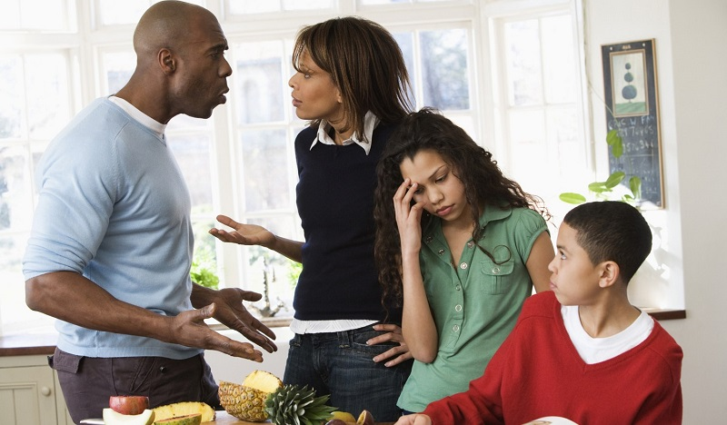 sex-love-life-2012-12-family-argue-main.jpg